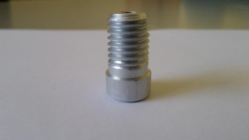 Inserto em aluminio