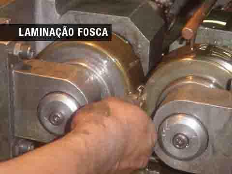 Usinagem de peças em série em torno automático